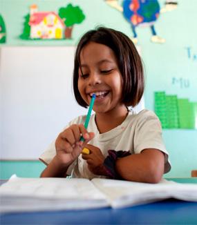 <span>Educación integral y  </span>Becas de Estudio